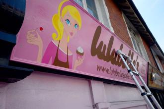 Lulubelle's cake shop – fascia signwriting