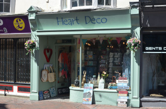 Heart Deco - signwriting Weymouth