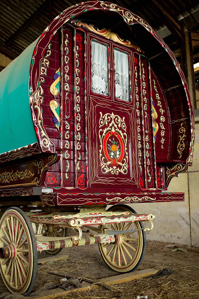 Restoring a Gypsy Caravan - Steve Blackwell Signs and ...
