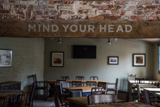 Christchurch Pub Signwriting - Mind Your Head sign