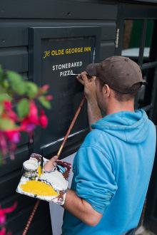 Ye Olde George Inn pub signwriting