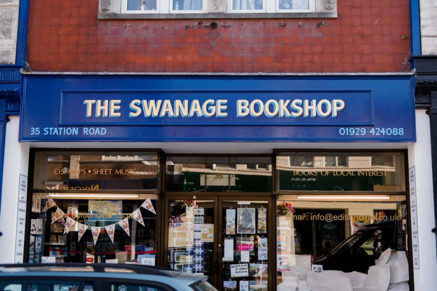 Gold leaf shop sign for The Swanage Bookshop